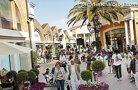 Napoli Premium Outlets in Florida