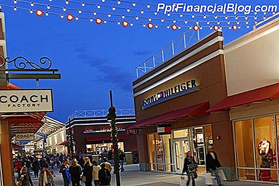 Philadelphia Premium Outlets in Limerick, Pennsylvania